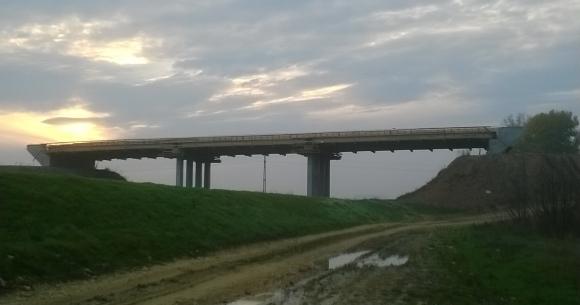 Karasica-patak híd pályalemez építése (Villány, 2013)